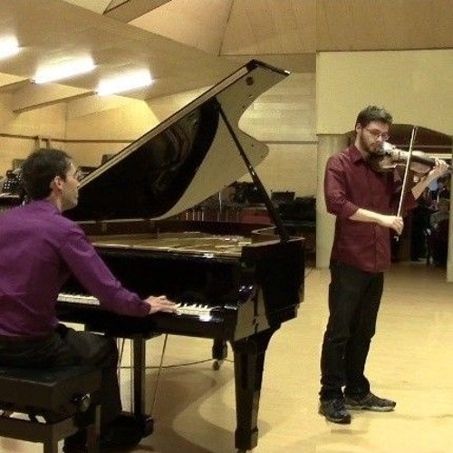 Improvised by Luis Vallines (piano) and Pablo Sabater (violin)