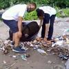 (Asia Calling)Anak Muda Timor Leste Buat Gerakan Pungut Sampah di Pantai Dili