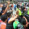 Vendedores se resisten a desalojo en Paseo de La Sexta