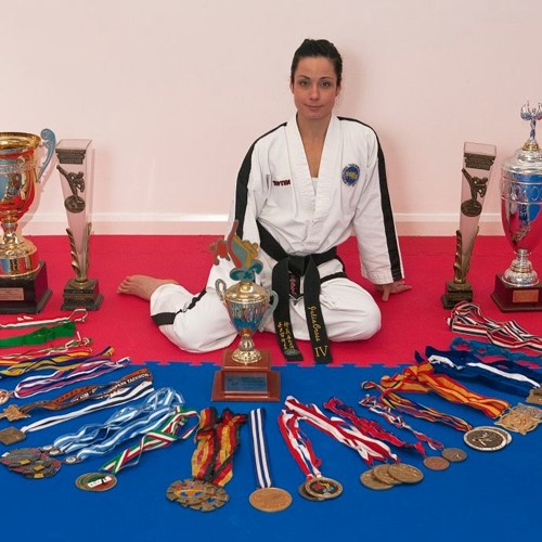 Ep18: Julia Cross, World taekwondo champ & metal health advocate