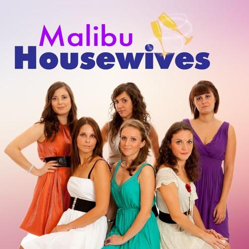Malibu Housewives: Pool Party