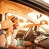 Darf man ein Selfie-Video hochladen, dass einem beim Autofahren zeigt?
