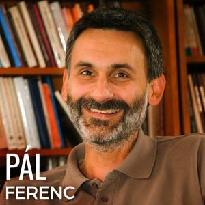 A római katolikus pap, akiért tízezrek rajonganak - interjú Pál Ferenccel