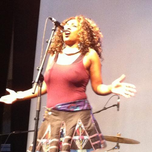 London Zulu : Live @ Mau Mau - May 2012 - Umhlahlo