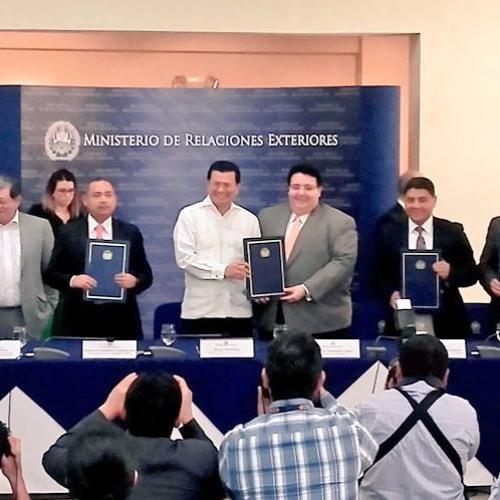 Instituciones de Gobierno firman convenio agilizar ingreso de inversionistas al país