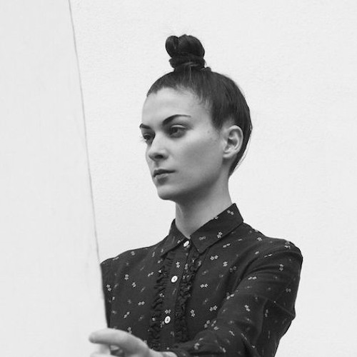 Premiere: Julia Govor - Mathew I Got Your Shakers (Andras Toth Rethink)