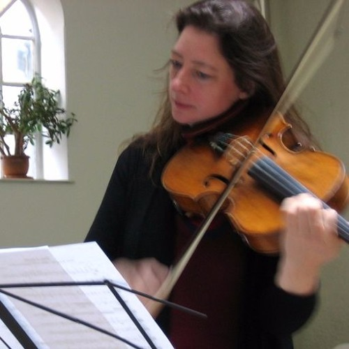 'Solo Song for viola –Ten Lines' performed by Elisabeth Smalt