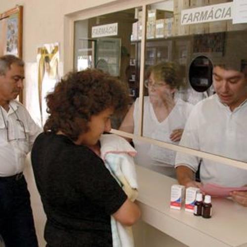 Trabalhadores e usuários da saúde se manifestam contra o fechamento das farmácias do SUS