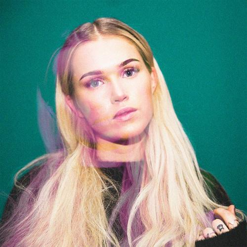 Closer - Emma Jensen