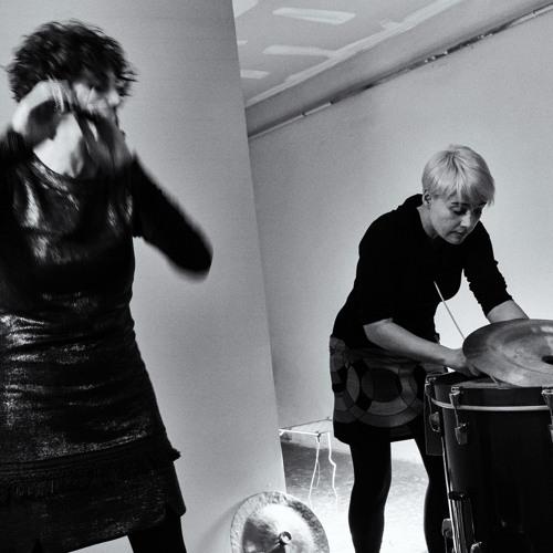 Arà Duo: Núria Andorrà, percussions, Alessandra Rombolà, flutes and ceramics