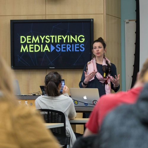 #2 Demystifying Podcast - Social Media Use in the Arabian Gulf with Sarah Vieweg
