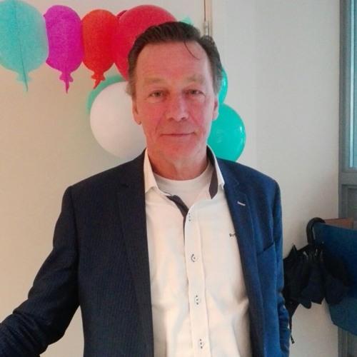2017 - 03 - 08 Dick Van Wielink Van Stichting Visie R Bij De Opening Van Change