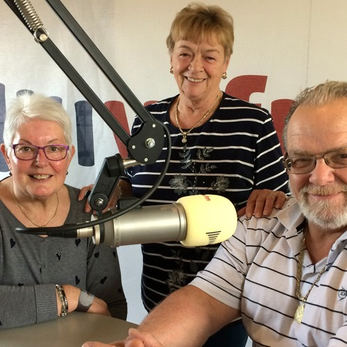 Bert van Leerdam ontvangt Coby Louwerse  & Karel (+Lenie) van der Linde.