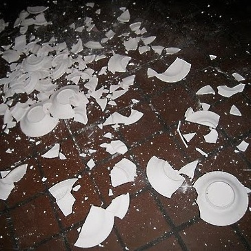 CSMIX001: Sofia Athanasopoulos - Smashing plates