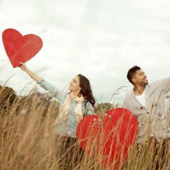 العرب الآن: هل تعتقد أنك سعيد بالمقارنة مع بقية الشعوب ؟ ما هي السعادة و كيف نصل اليها ؟