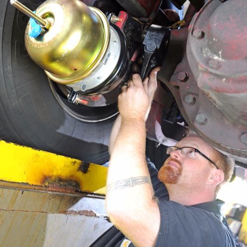 Truck Talk with Bendix: Clearance Sensing vs  Stroke Sensing
