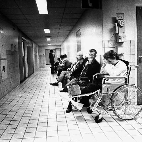 ENTREVUE - Anne Robitaille - Un bon système de santé, mais difficile d'accès