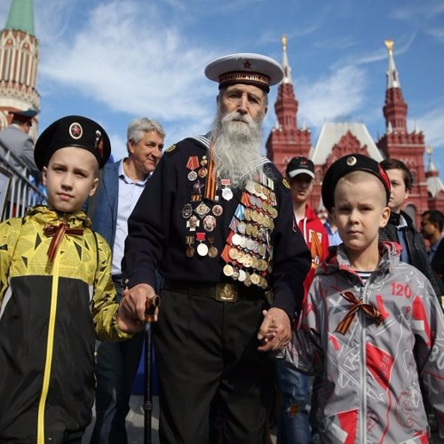 「ロシアの声」アーカイブから人気番組:赤の広場での軍事パレード ―  戦勝の歌