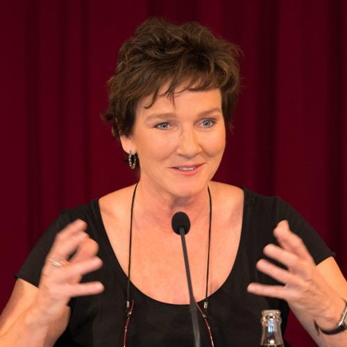 Intendantin  Karin Beier zur Spielzeit Pressekonferenz 2017/18