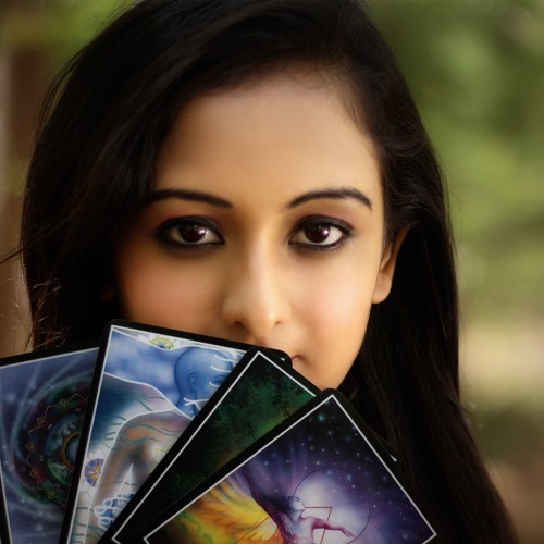 Shweta's interview with Rj Harshil about World Tarot Day Celebration 25th May 2017
