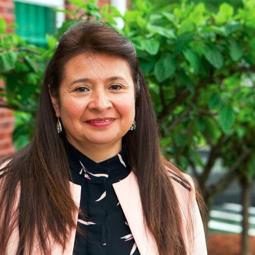 Meet Gloria Escobar: An English Language Learner who now teaches others financial literacy