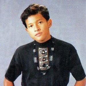 Download lagu Abiem Ngesti Ini Jaman Uang Feat Erie Suzan (7.72 MB) MP3