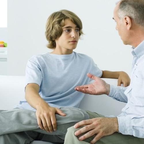 Как  родители  могут уберечь подростков от курения