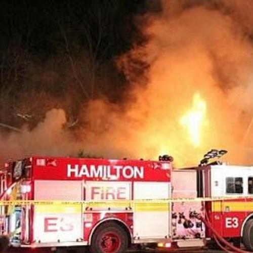 Tres personas fallecen en un incendio en Hamilton.