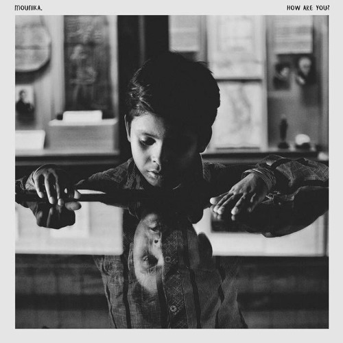 Mounika - De Roses Et De Colombes