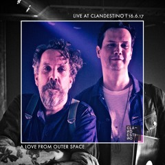 Clandestino 114 - A Love From Outer Space