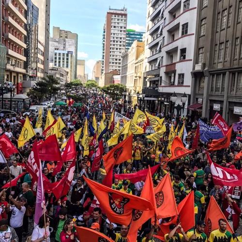 Em todo o Paraná, atos protestam contra reformas do governo Temer