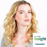 """Betty Gilpin Explains How Learning To Wrestle, For """"Glow"""" Was A Necessary Acting Exercise For Her"""