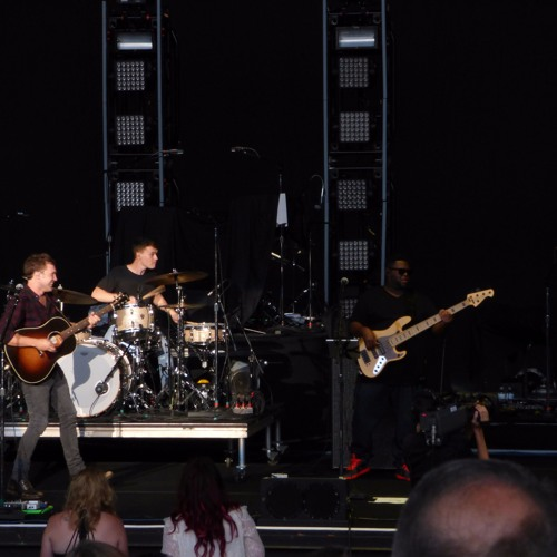 Phillip Phillips at the Shoreline Amphitheatre