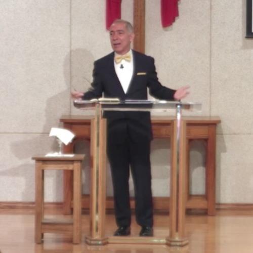 """No Te Des Por Vencido"" - Senior Pastor Marc Rivera"