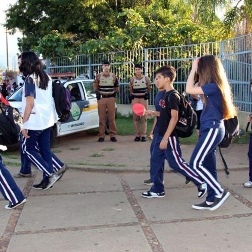 CBN Ponto A Ponto Escolas Podem Liberar Crianças Para Saírem Sem Responsáveis ? - 14082017