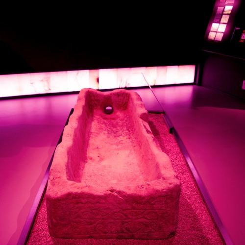 Susurro de sepulcro: «descansa»