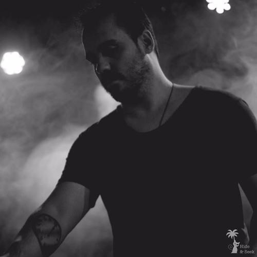 Sebastian Busto - Religions 08 - Proton Radio (15 - 08 - 2017)