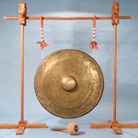 bowed cymbal, tiny bit of delay