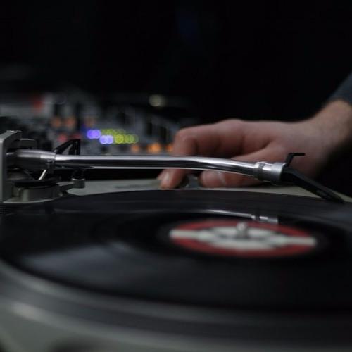 DJ Drop for Deejay Reggie - Anne