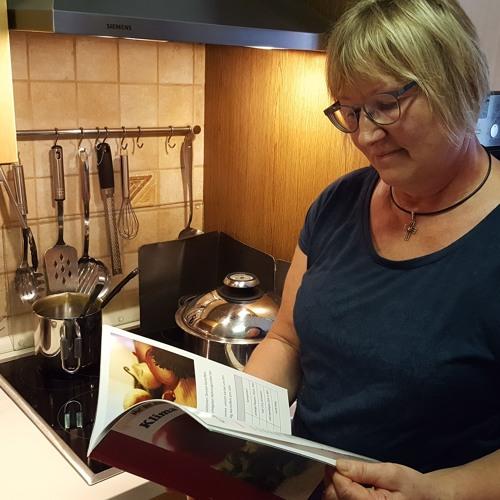 Brutzeln für die Umwelt: Das Klima-Kochbuch der KAB