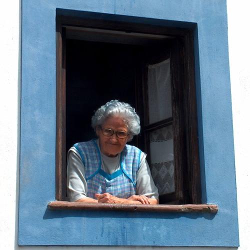 Dona Ção: a resenhista do bairro
