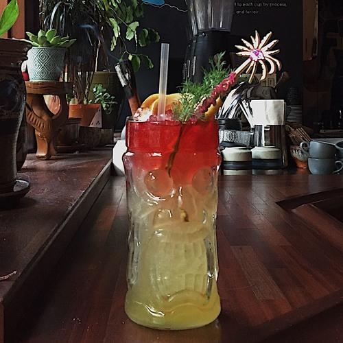 Episode 33: Trash Tiki Drinks & Hong Kong Foodie Customs