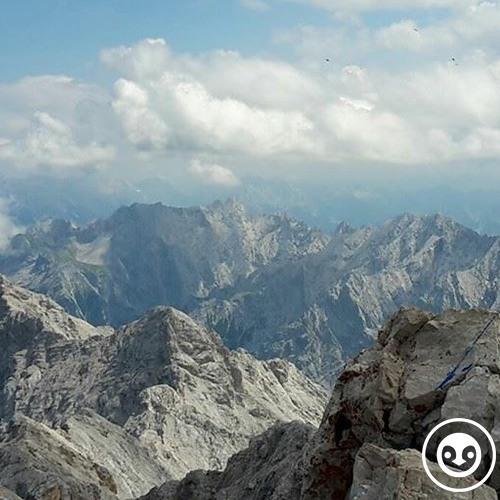deep story nr. 68 | top of the mountain | by Sander Ghielen