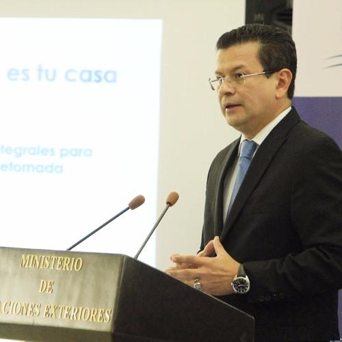 """Gobierno presenta iniciativa """"El Salvador es tu casa"""" dirigida a compatriotas retornados"""