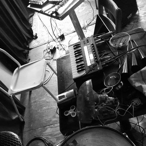 The Mass Media Machine - Impro avec Tom Malmendier