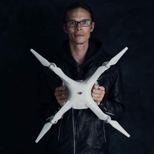 Janosch der Drohnenpilot