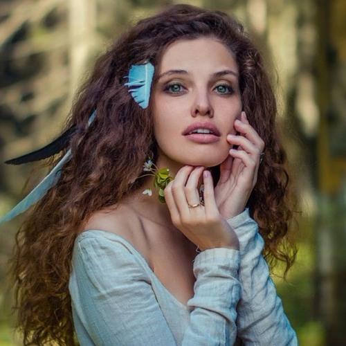 Кацярына Ваданосава і Fantasy Orchestra - Асыпае чэрвень белы сад (на словы Алеся Дудара)