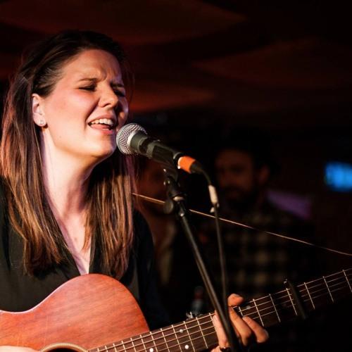 Kajsa Vala: Jeg er bare helt vild med at spille guitar