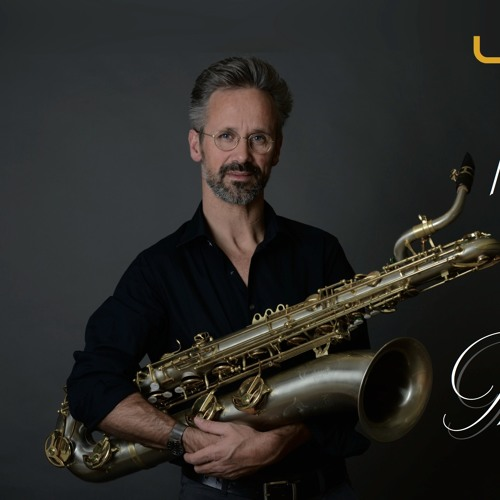 Liebscher plays Bach - The Cello Suites - for Baritone Saxophone