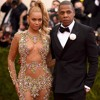 Pregnant Kylie, Jay Z And Beyonce Buy Houses & Walmart Food Delivery Svc